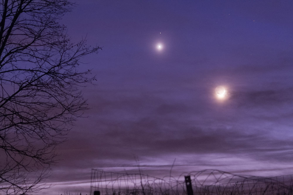 Rapprochement Lune, Venus et Mars du 20/02 150220-18h55-Lune-Menus-Mars